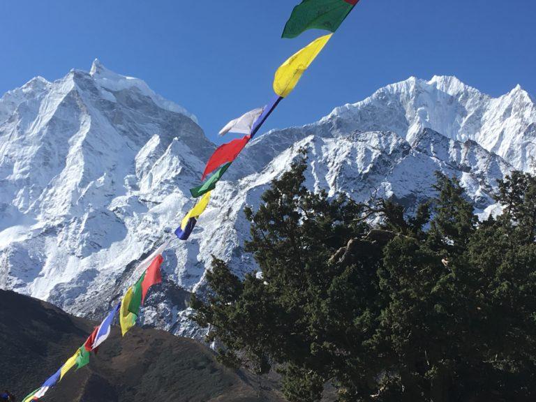 Nepal, Everest-Gebiet, Everest Base Camp Trek, Ama Dablam Base Camp Trek, Blick auf Kantega und Thamserku