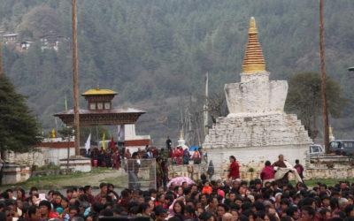 Bhutan: Buntes Treiben bei einem der vielen Feste