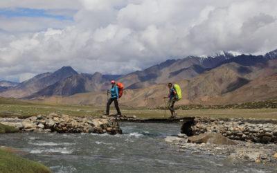 Flussdurchquerun gauf dem Markha Valley Trek